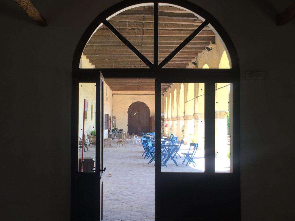 Villa Roberti, La scuderia